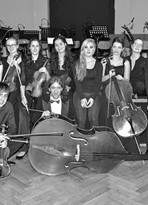 Loški solisti z orkestrom Amadeo
